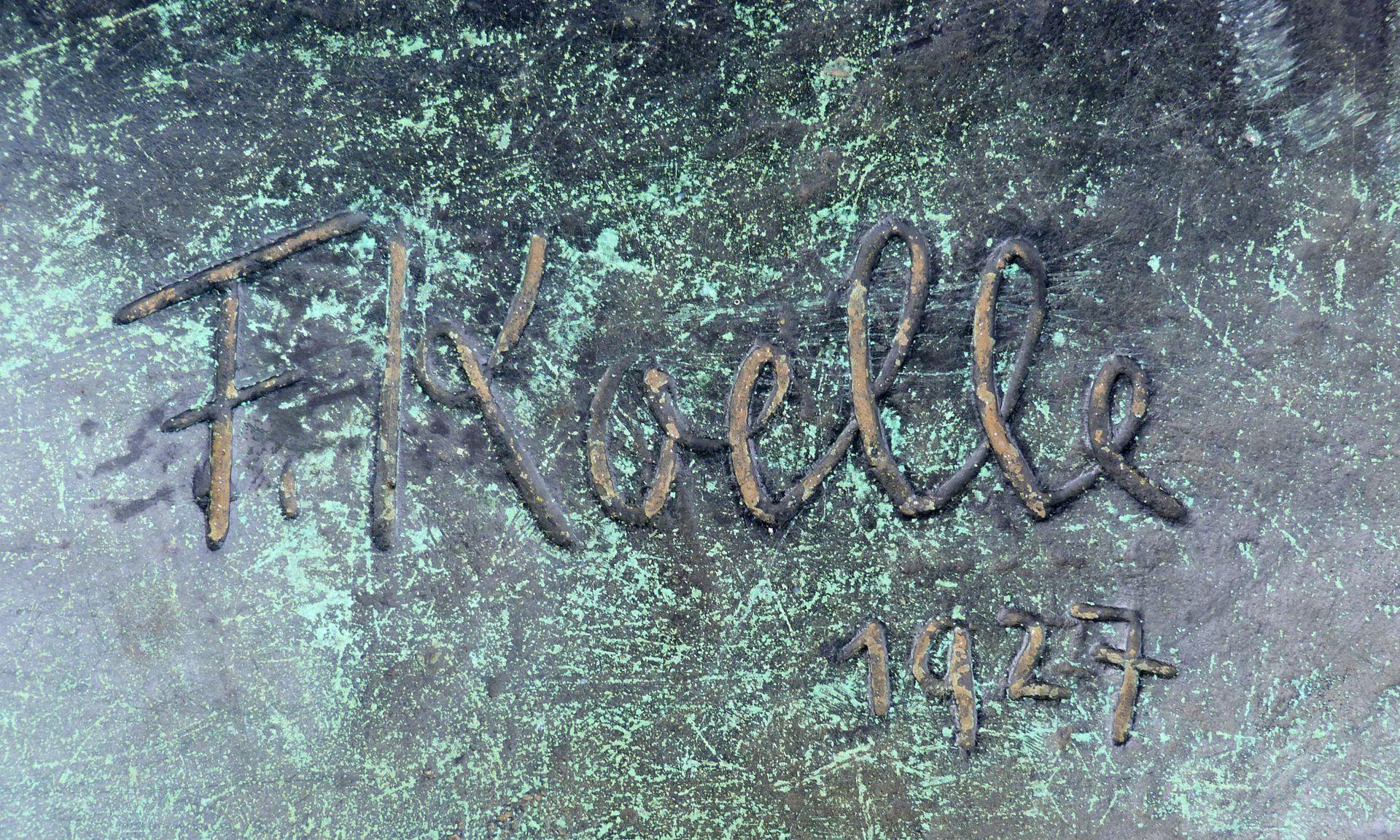 Standbild eines Bergmanns Künstlersignatur am Sockel