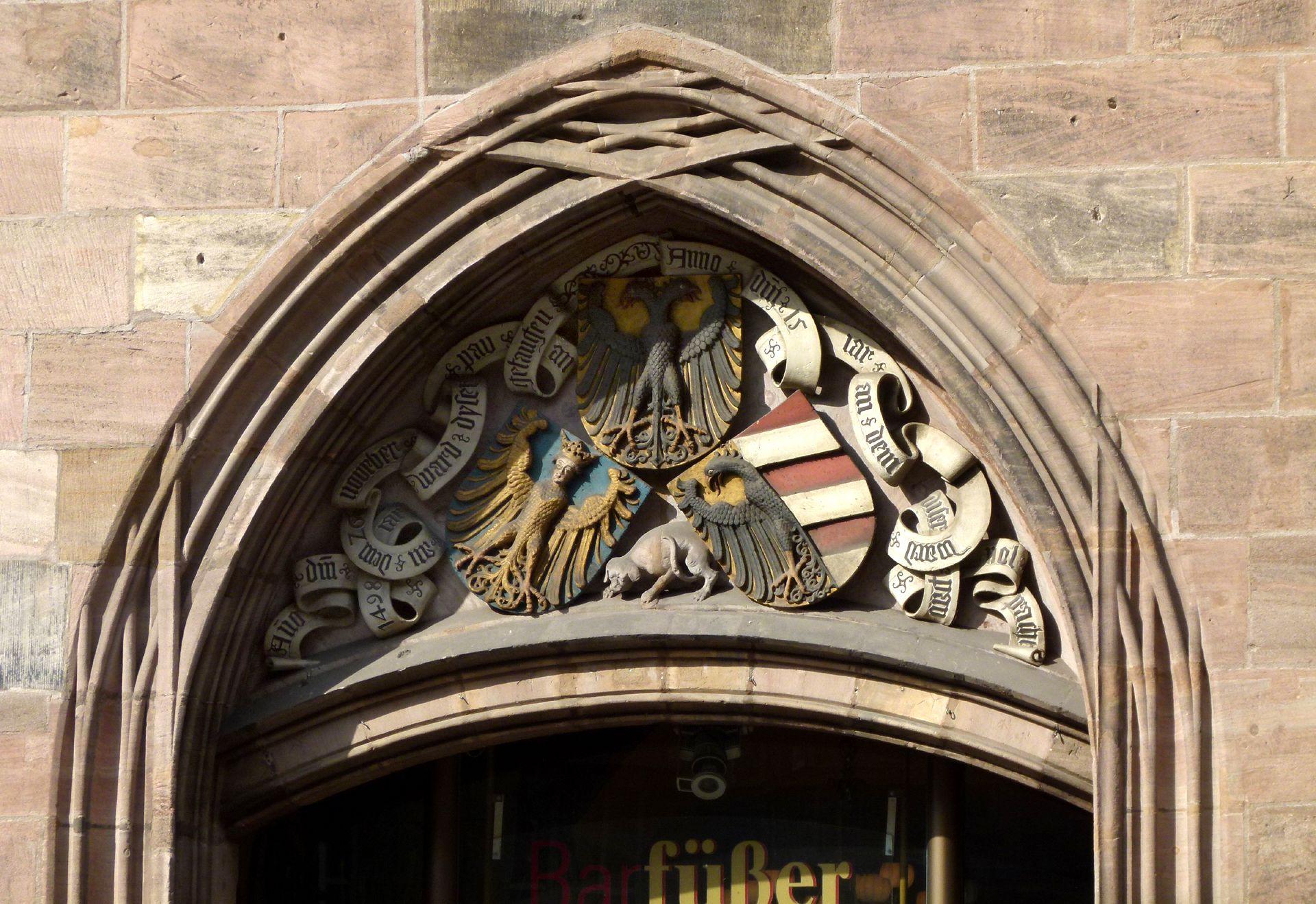 Wappendreiverein Wappendreiverein über dem Ostportal