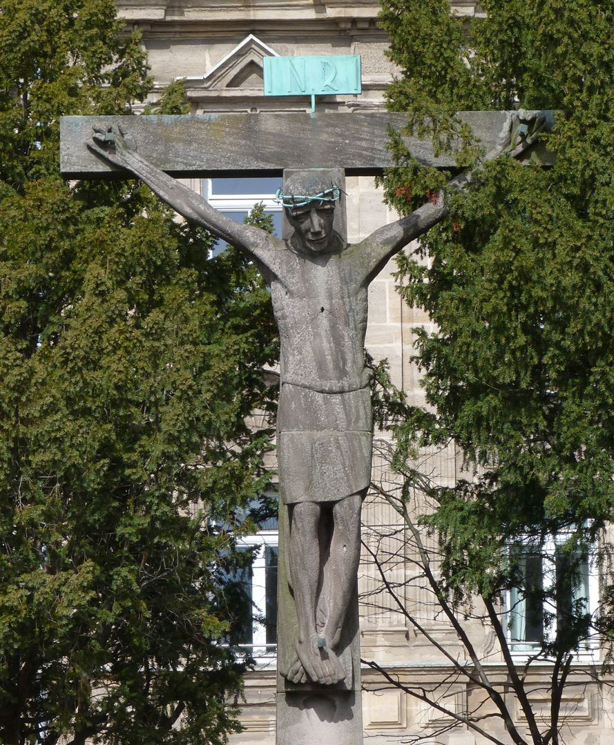 Christus am Kreuz Frontalansicht