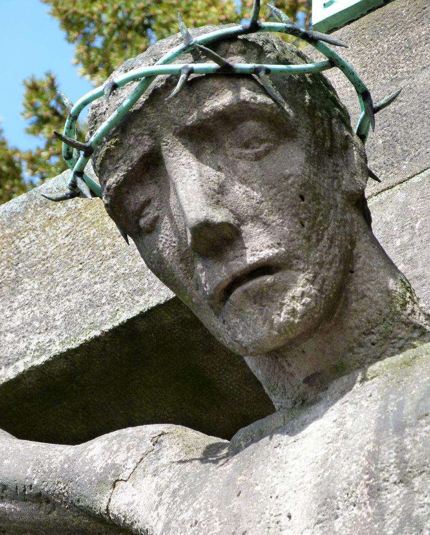 Christus am Kreuz Haupt Jesu, Untersicht