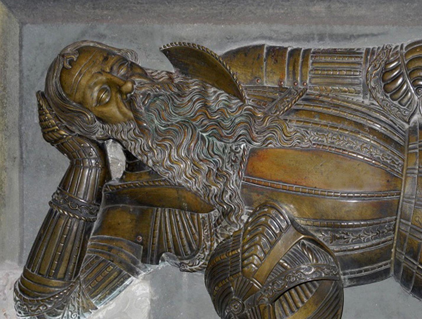 Grabfigur des Nicolaus Herburt-Odnowski (Lemberg, Ukraine) Detail: Brustharnisch und Kopf
