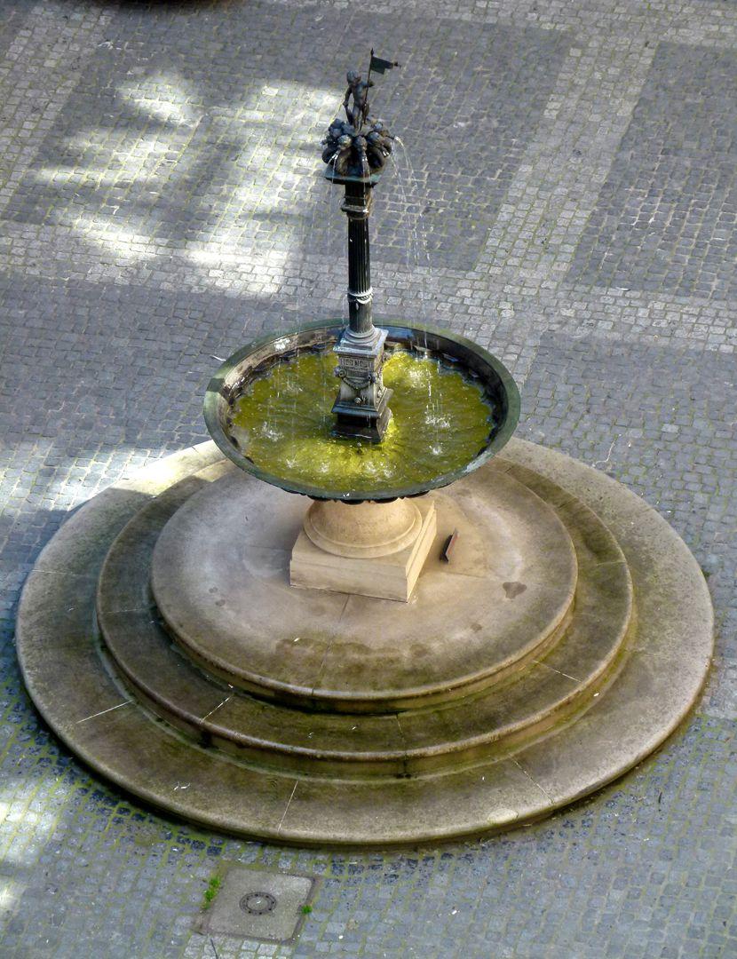 Puttobrunnen Gesamtansicht von oben