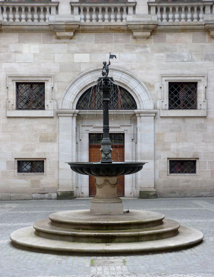 Puttobrunnen Gesamtansicht