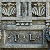 Labenwolf  Künstlersignatur am Puttobrunnen