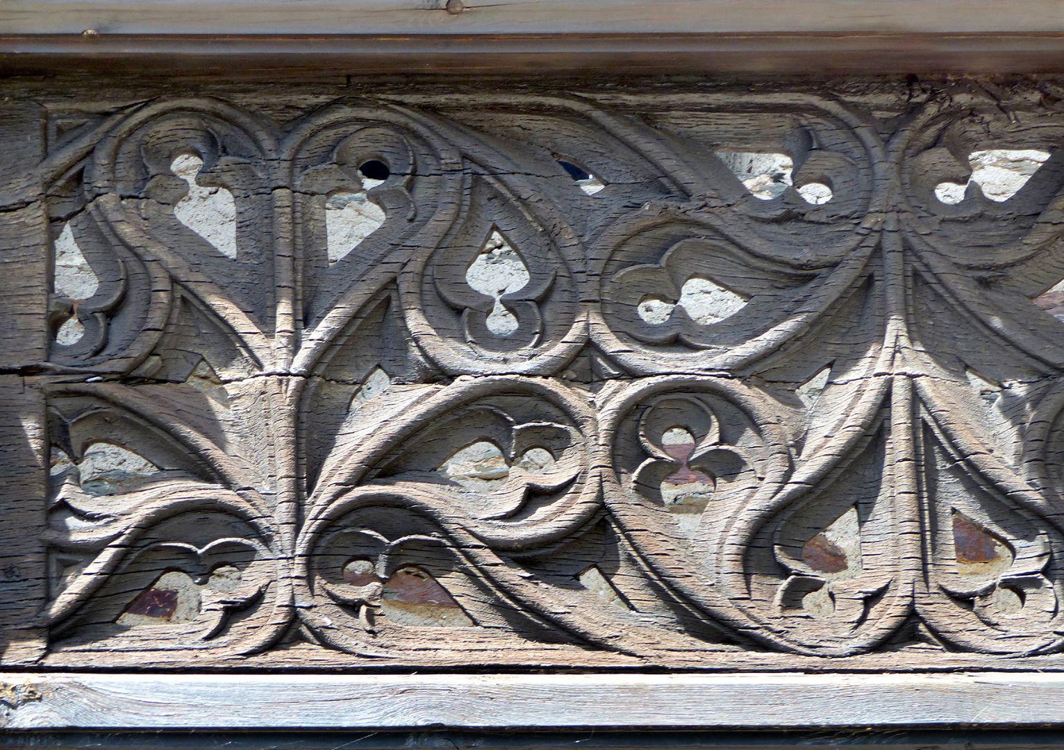 Nachgotische Holzgalerie aus Nürnberg Maßwerkmuster, Detail