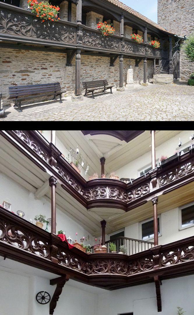 Nachgotische Holzgalerie aus Nürnberg Bildvergleich Lauenstein und Hof des Anwesens Nürnberg Weinmarkt 2, beides um 1600