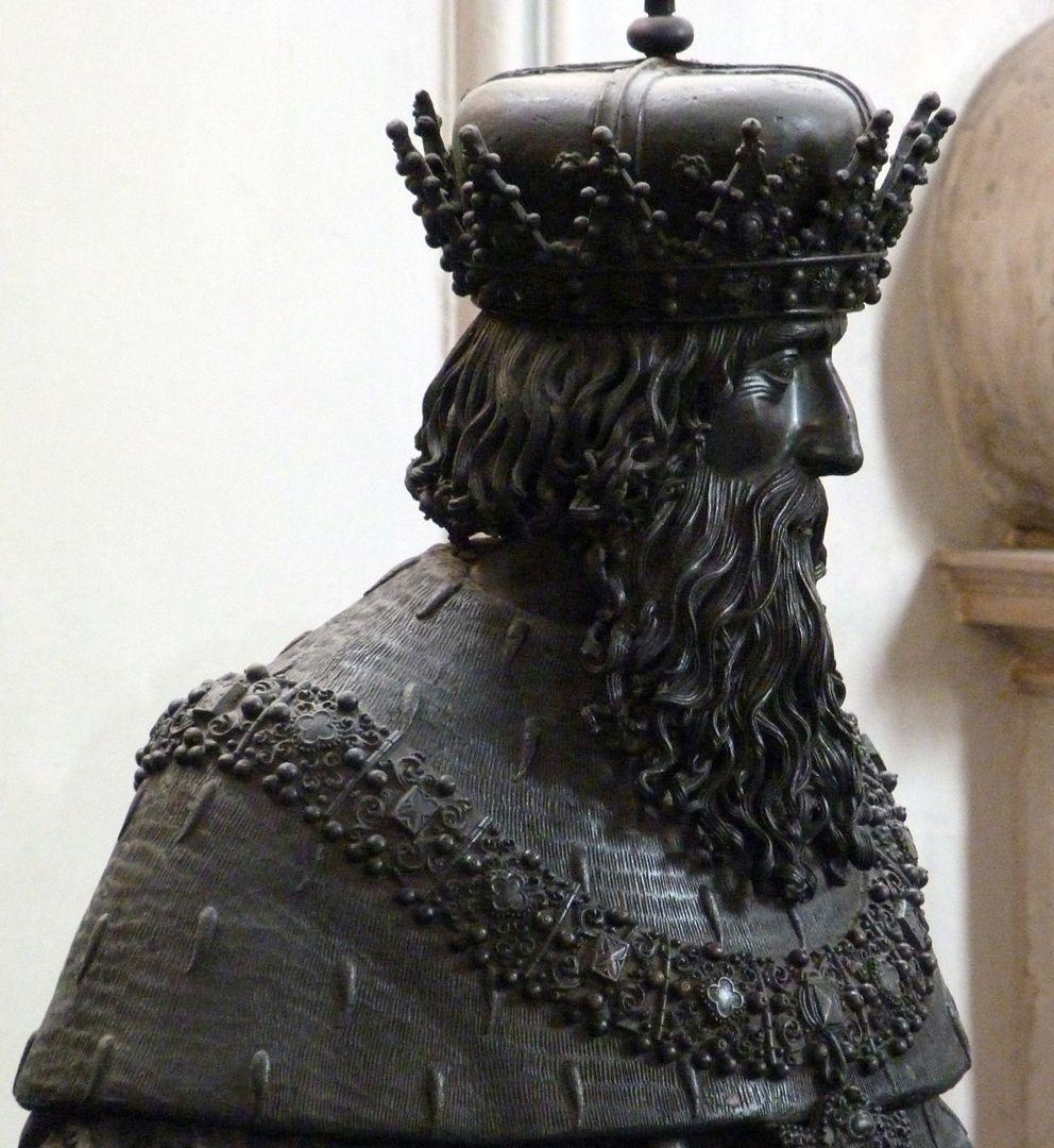Leopold III. (Der Heilige) (Innsbruck) Büste, seitliche Ansicht