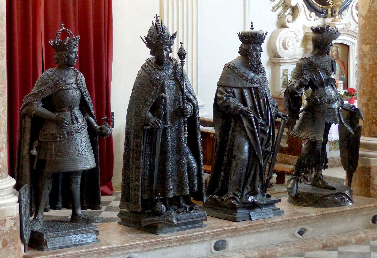 Leopold III. (Innsbruck) Männerseite, dritter von links, Leopold