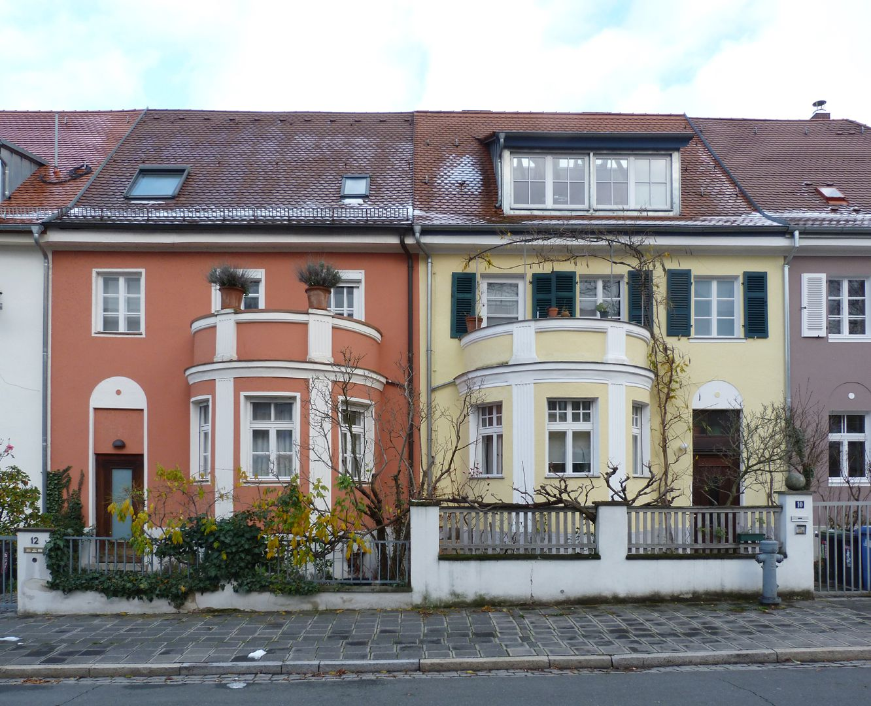 Wohnhausreihe in der Danziger Straße Frontalansicht