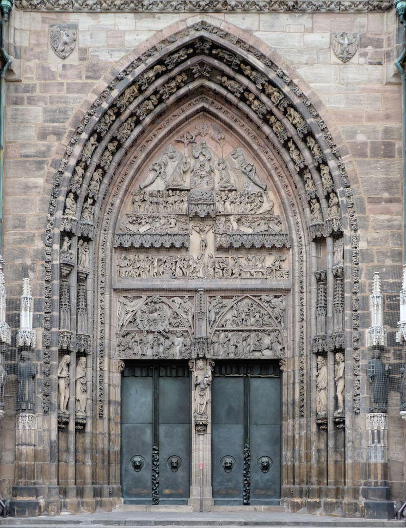 St. Lorenz, Westportal, Bronzetüren Gesamtansicht des historischen Portals mit den neu geschaffenen Bronzetüren
