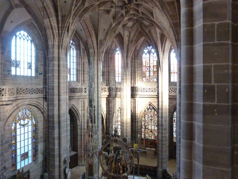Die Lorenzkirche als Architektur Hallenchor vom Süden der Umgangsgalerie aus, Gewölbe von Jakob Grimm ab 1464 bis 1477.