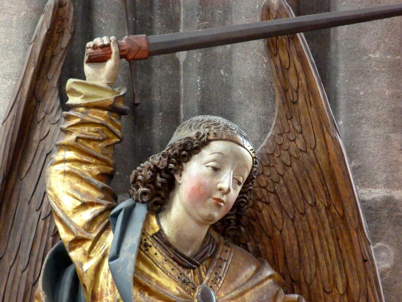 Erzengel Michael Detail des Erzengels mit erhobener Rechte und Schwert