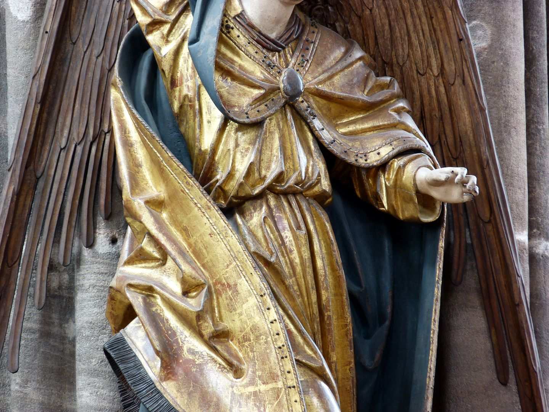Erzengel Michael Mittelteil, Detail: Die Linke trug eine abgegangene Waage
