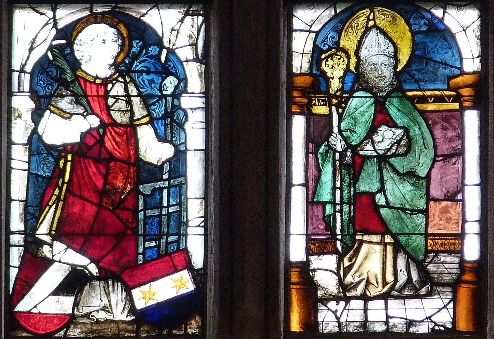 Ratsfenster unterstes Band: links St. Lorenz, rechts St. Stephanus