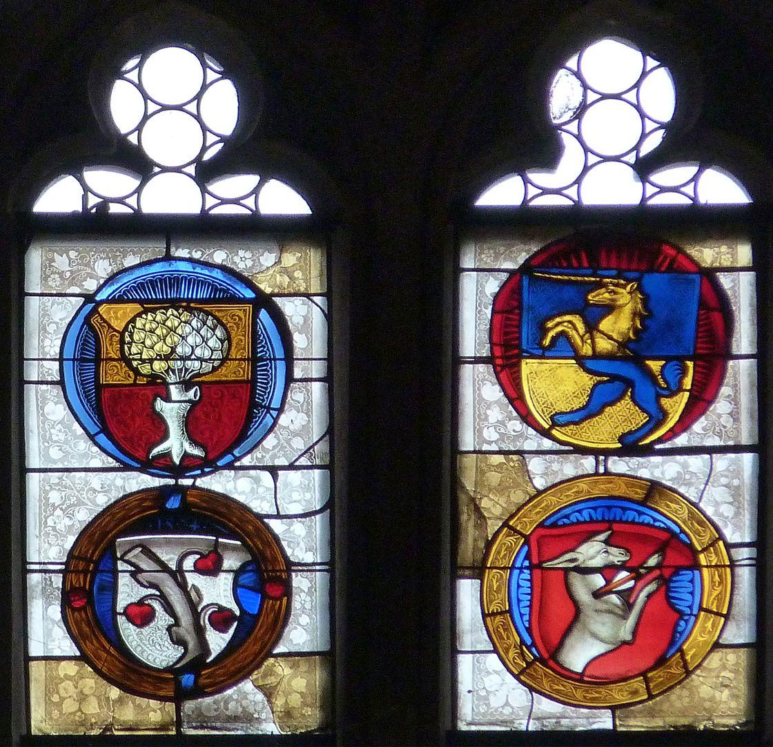 Ratsfenster oberste Zeile: mittlere Felder vier Rundwappen, Pirckheimer, Braun, Winter und Ayrer, 16.Jh.