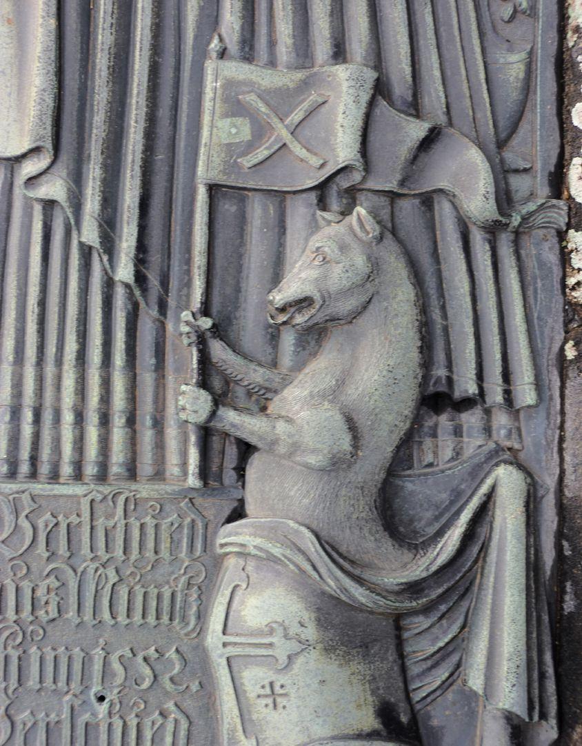 Alexius Müntzer von Bamberg (gest.1537) und Katharina Eisen (gest.1552) rechte untere Helmzier