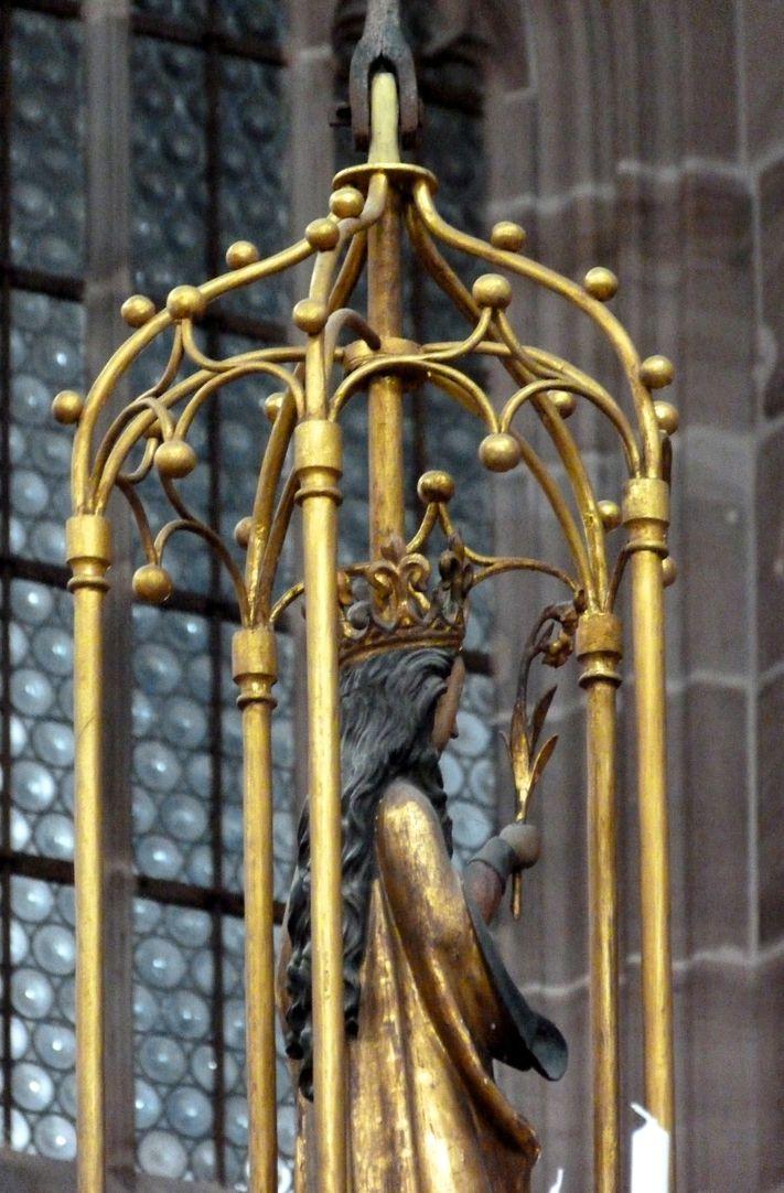 Marienleuchter Maria im Gehäuse, Seitenansicht