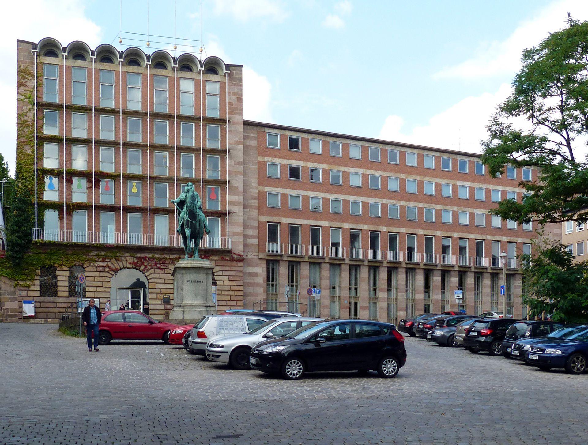 ehem. Stadtbibliothek / ehem. Pellerhaus Gesamtansicht