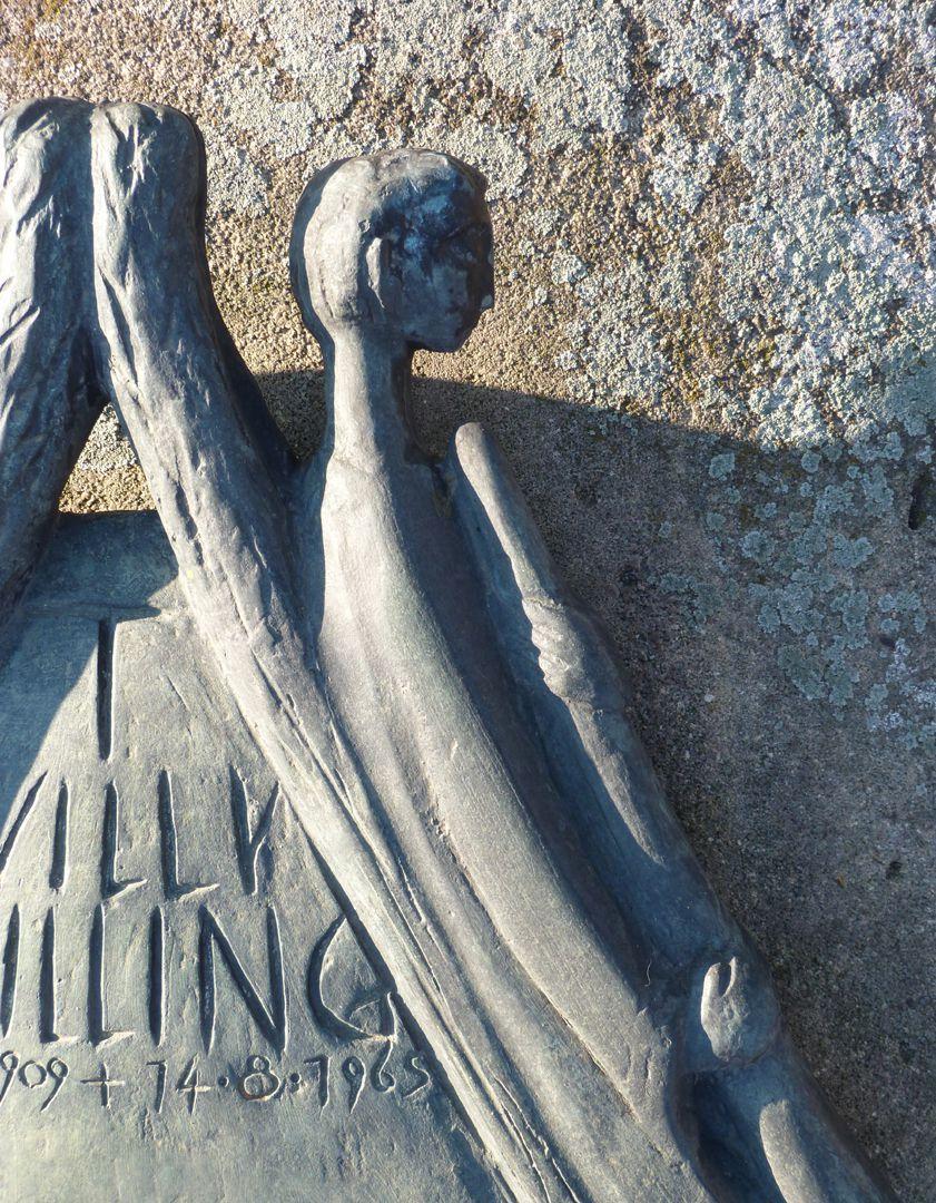 Musizieren und Innehalten innehaltender Engel