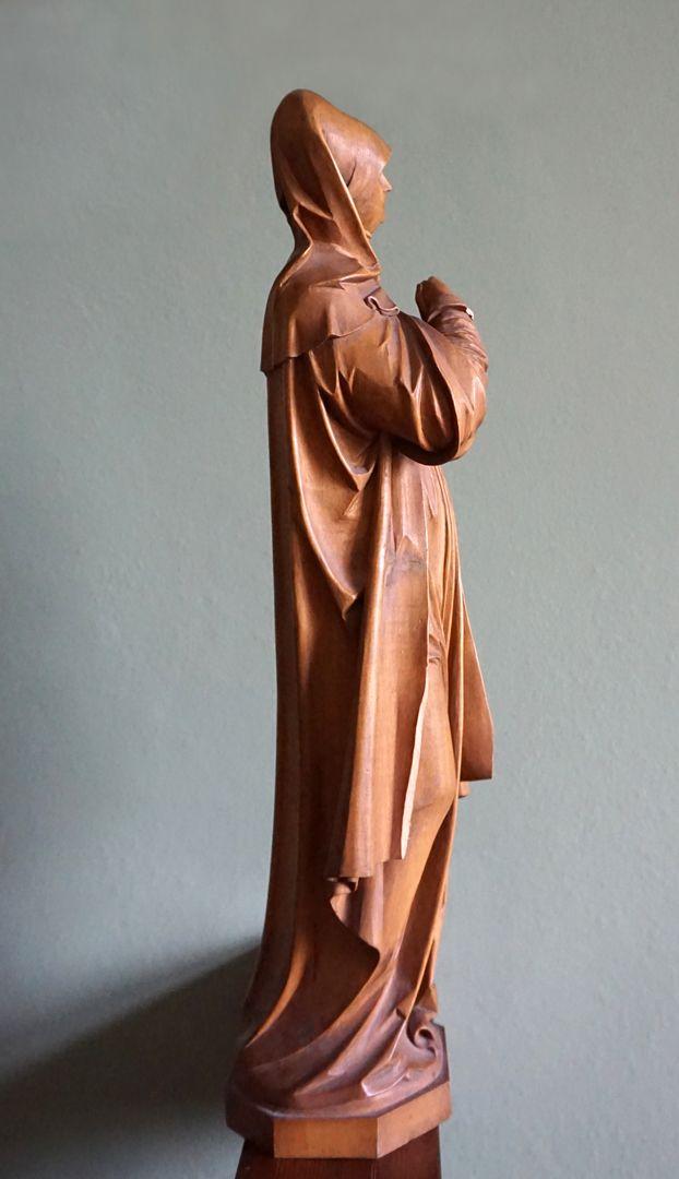sog. Nürnberger Madonna Ansicht der rechten Seite