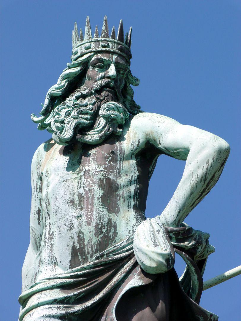Neptunbrunnen Neptun, Detail