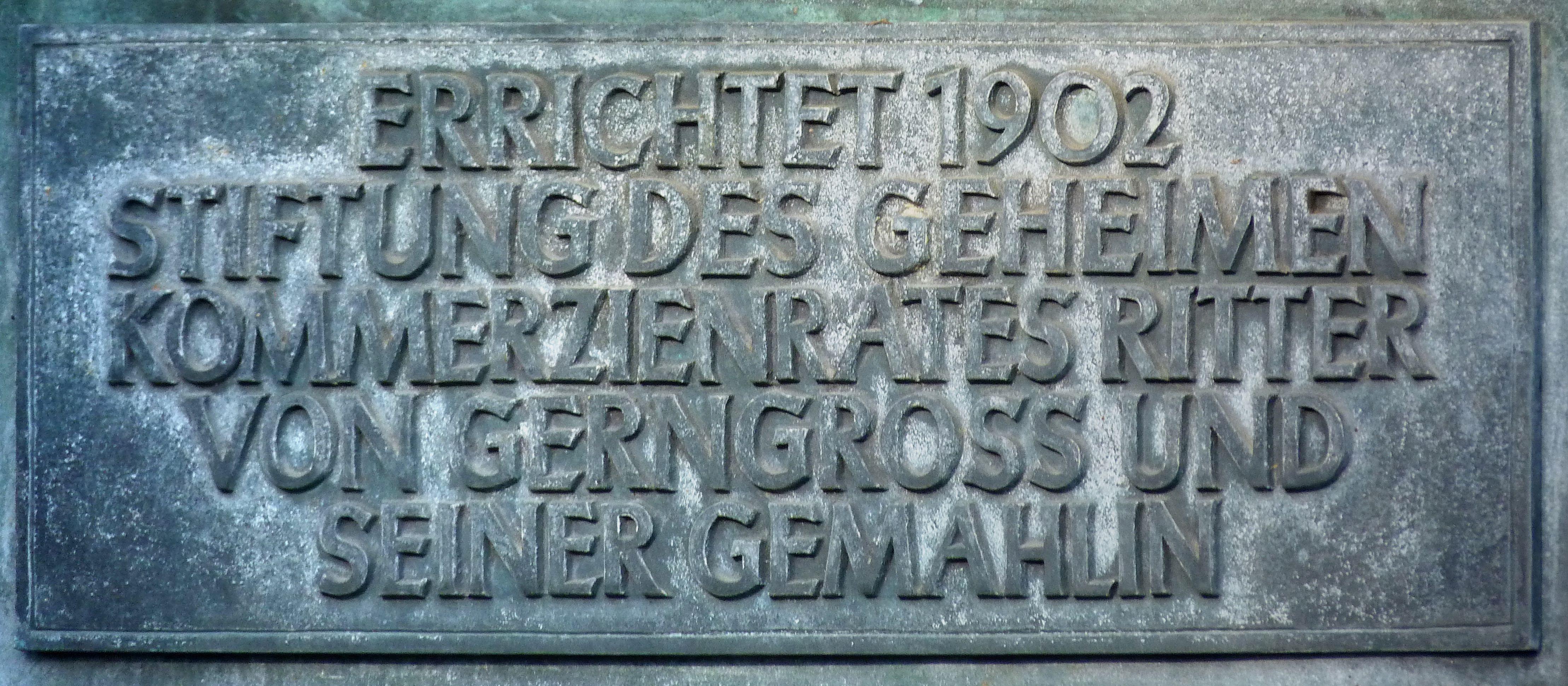 Neptunbrunnen Inschrift an der Südseite