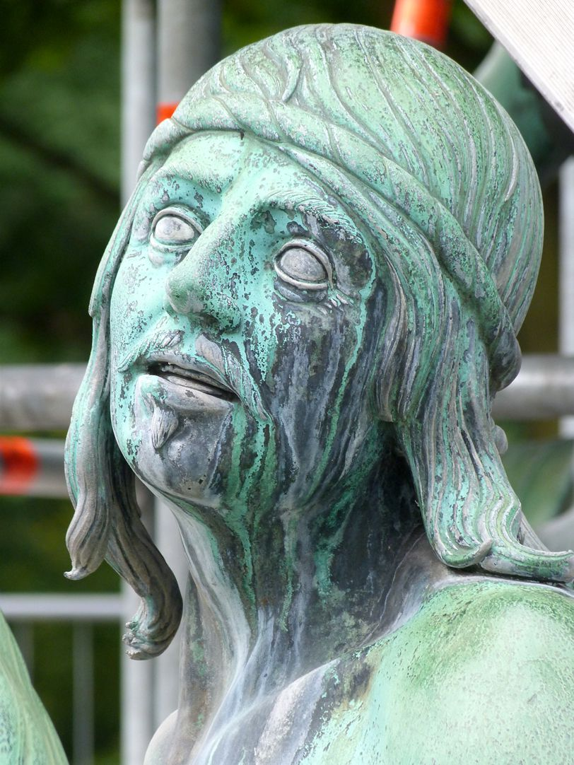 Neptunbrunnen Tritonreiter, Nordseite, Detail