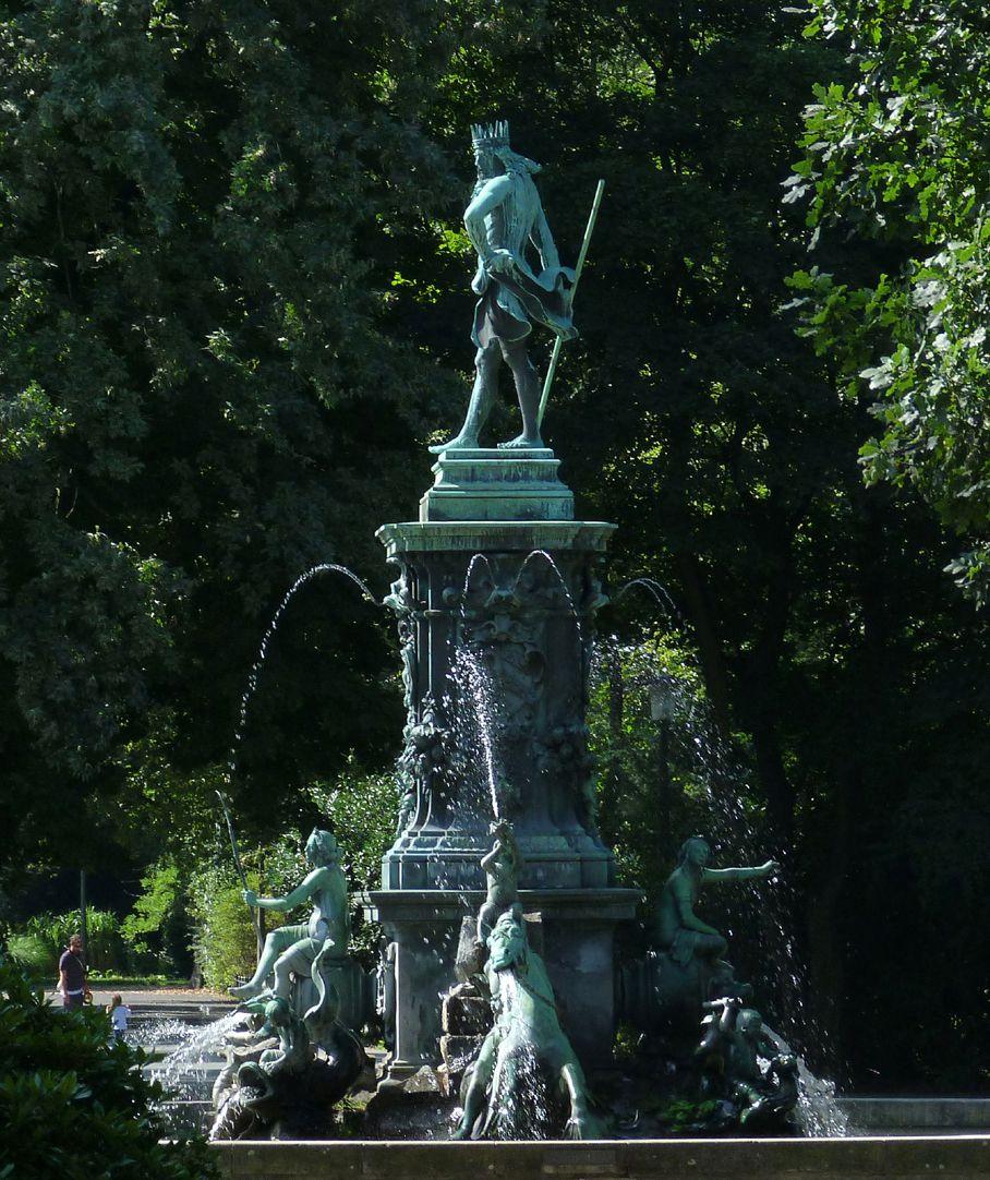 Neptunbrunnen Ansicht von Nord