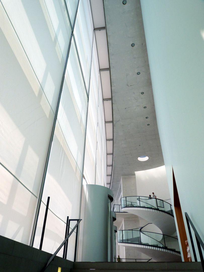 Neues Museum Eingangsbereich von unten