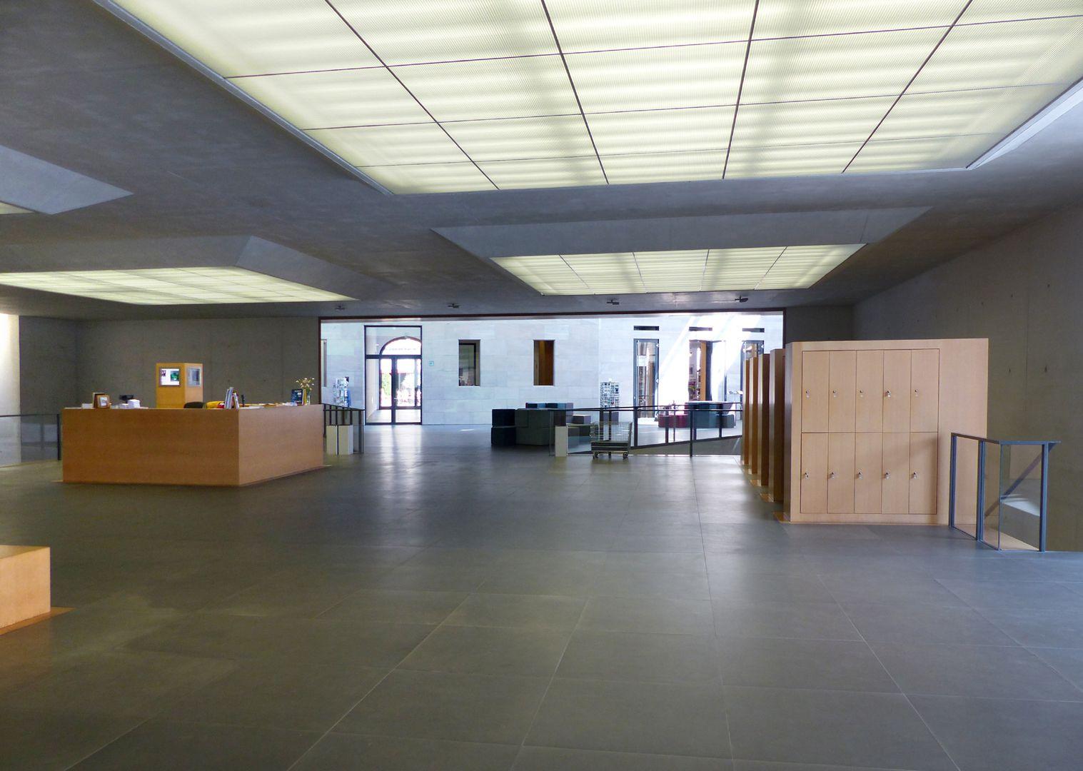 Neues Museum Foyer