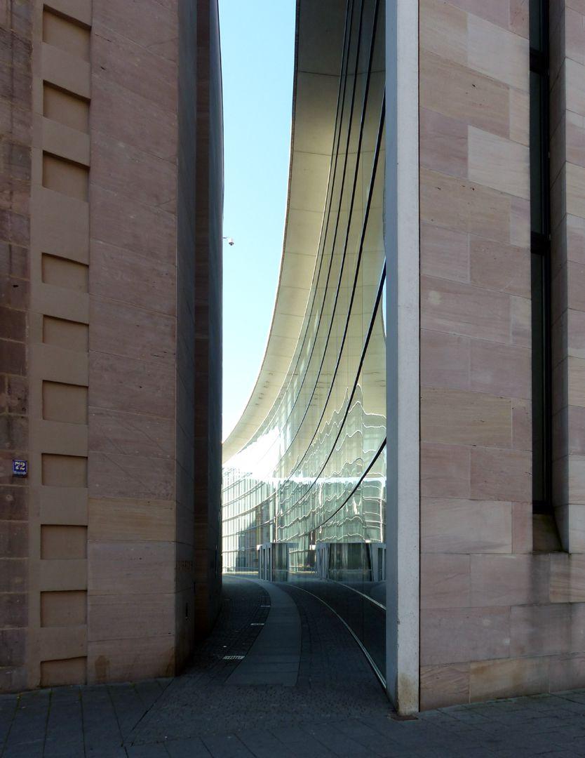 Neues Museum Durchgang zwischen Museum und Designforum, Detail