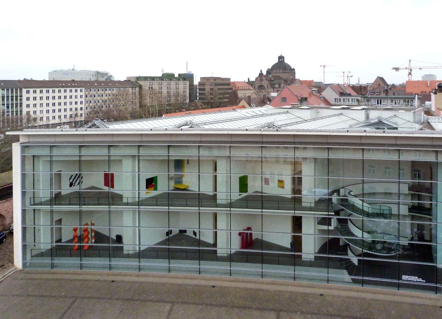 Neues Museum Haupttrakt mit Einblick auf die vorderen Räume samt Treppenhaus