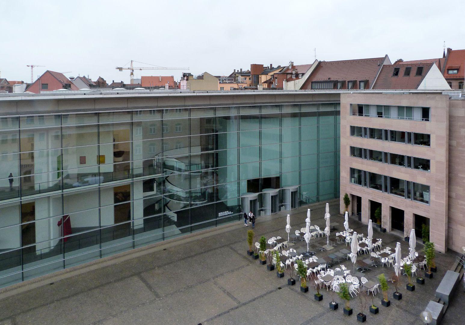 Neues Museum Haupttrakt und Designforum von oben