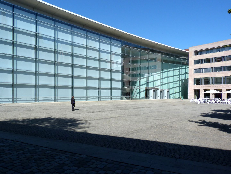 Neues Museum Museum vom Klarissenplatz aus