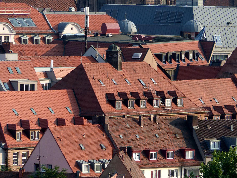 ehemalige Allgemeine Ortskrankenkasse Dächer von Norden