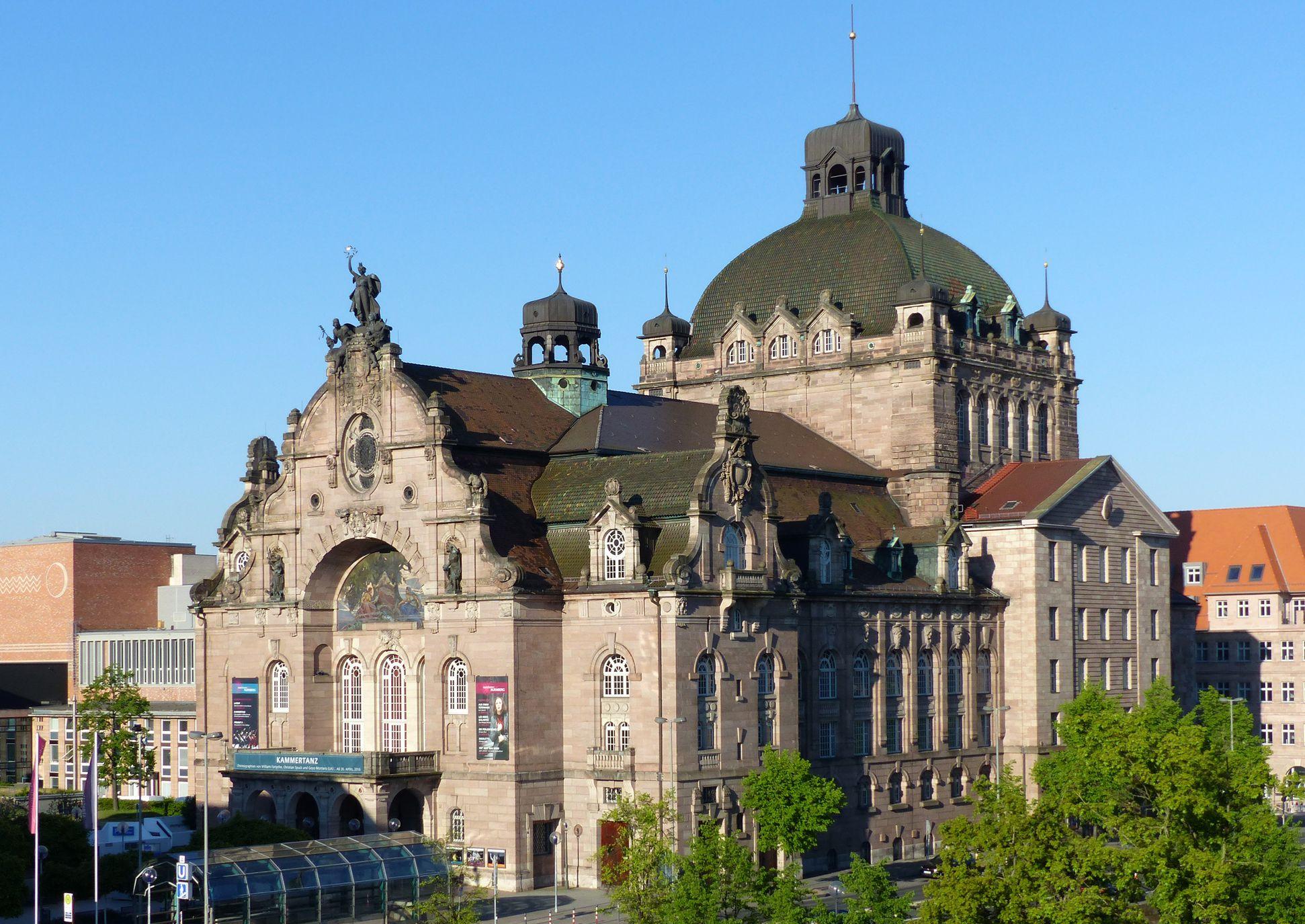 Opernhaus Erhöhte Ansicht von Nordost