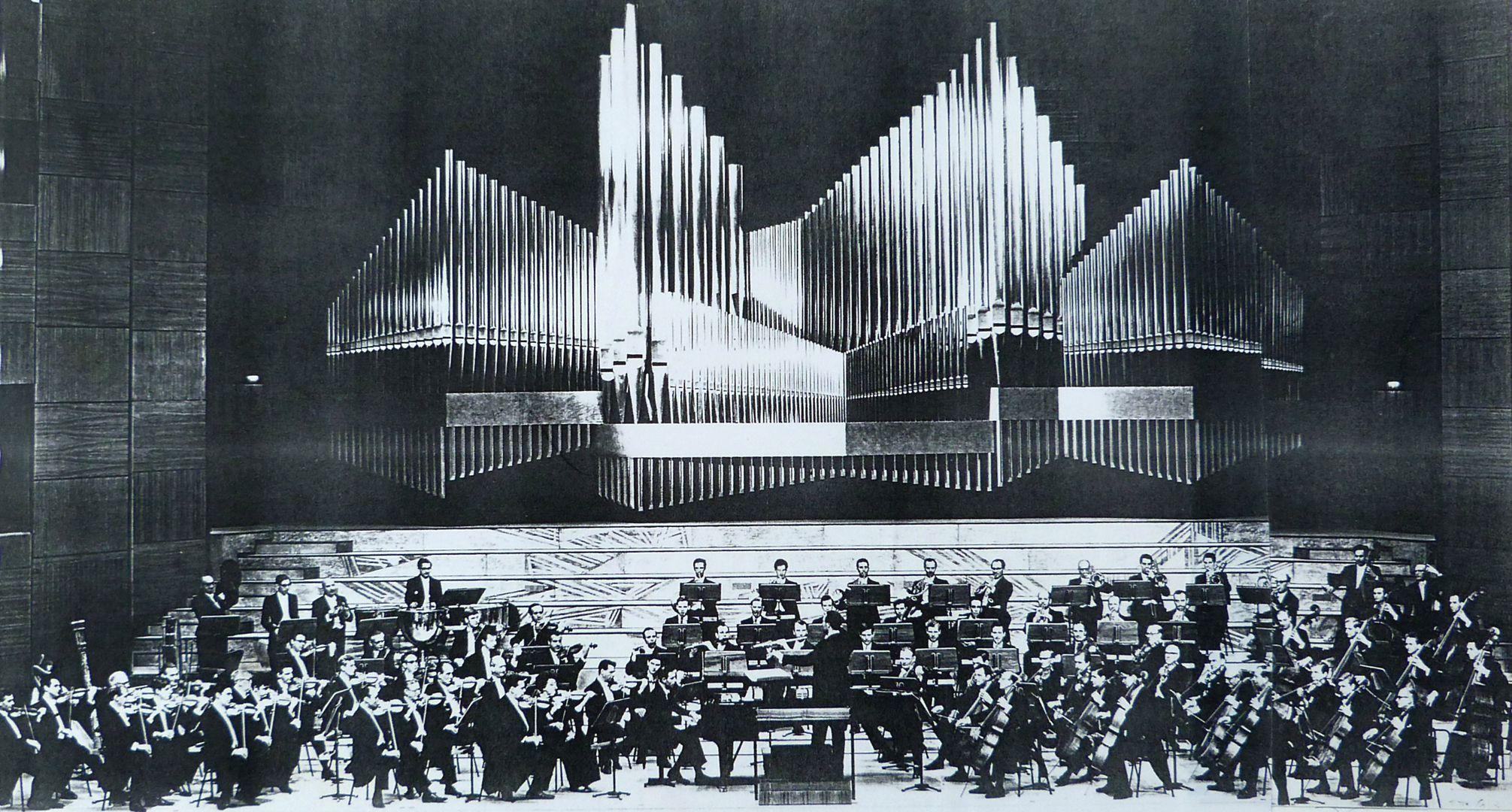 Orgelprospekt in der Meistersingerhalle Nürnberg Orgel und Orchesterbühne