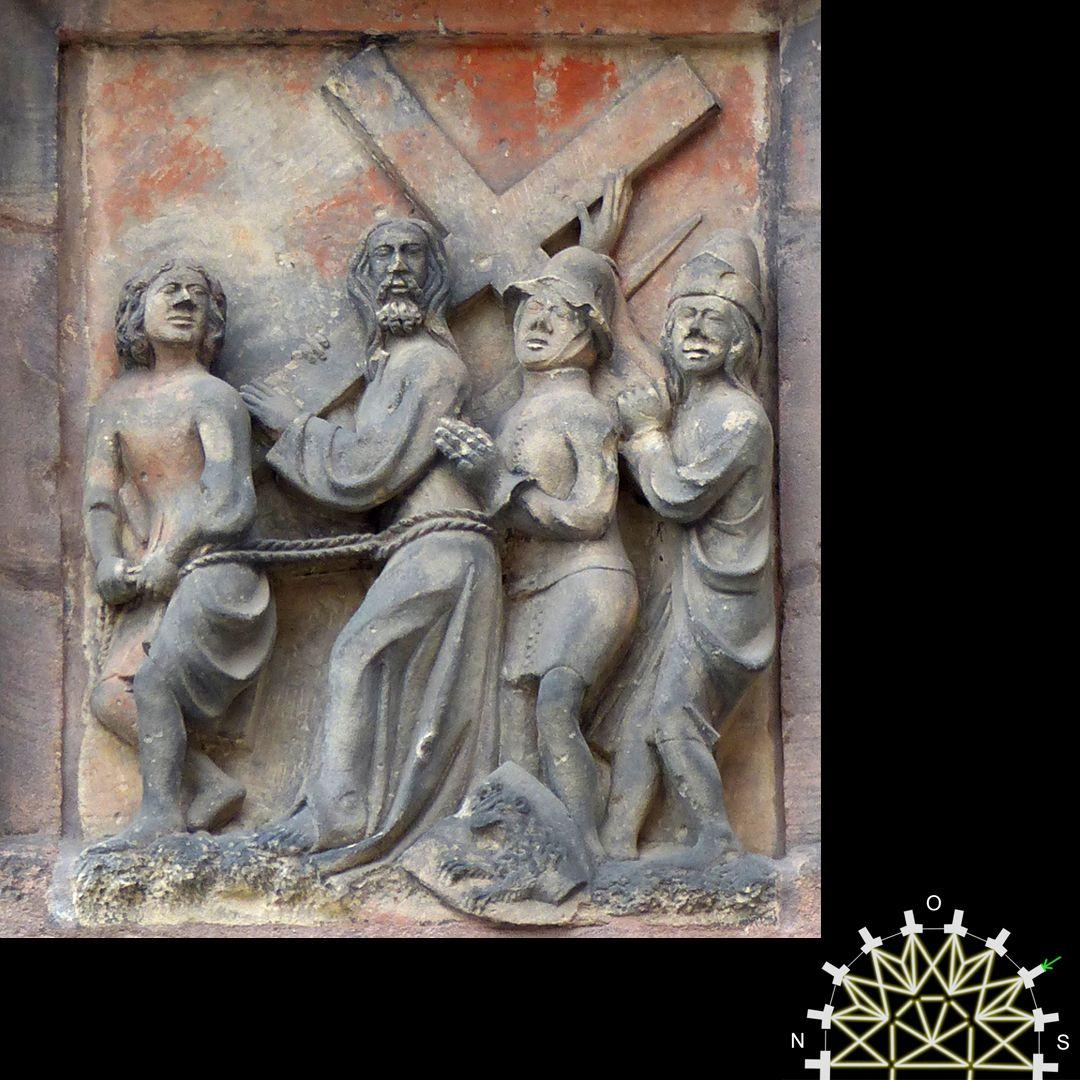Passionsreliefs Jesus trägt das Kreuz und hat Hilfe von Simon von Cyrene – Wappen der Grundherr