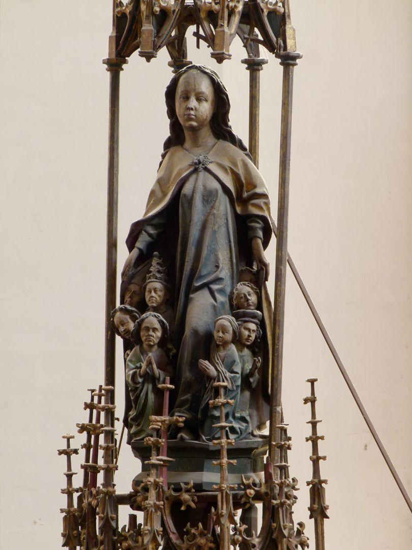 Peringsdörfer Altar Gesprenge: Schutzmantelmadonna