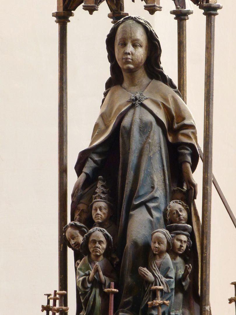 Peringsdörfer Altar Schutzmantelmadonna, Detail