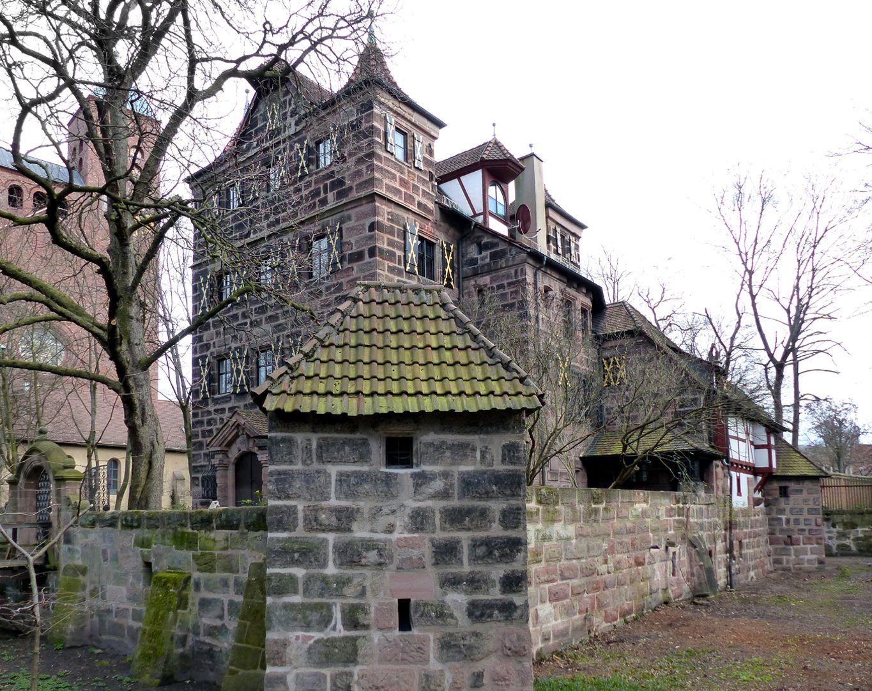 Petzenschloss (Schlösschen Lichtenhof) Blick von Nordwest mit Graben