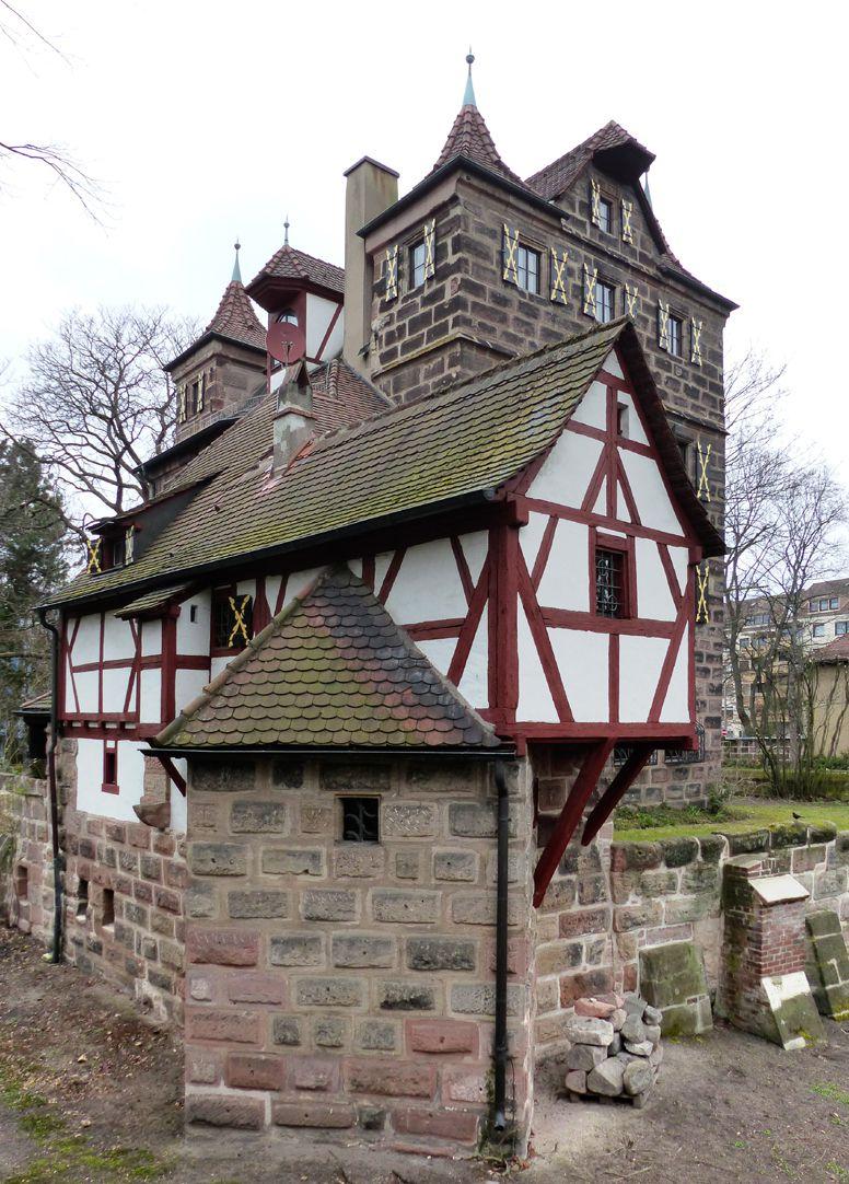 Petzenschloss (Schlösschen Lichtenhof) Südwestansicht mit Fachwerkaufbau um 1600 über dem einen Grabeneckturm