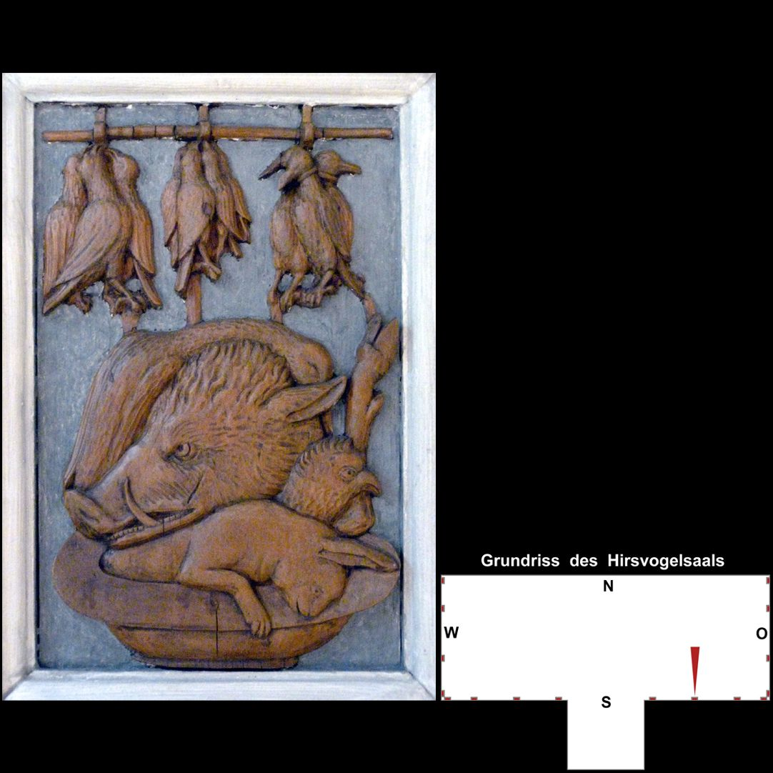 Pilasterabfolge im Hirsvogelsaal Postament mit totem Wild und Geflügel