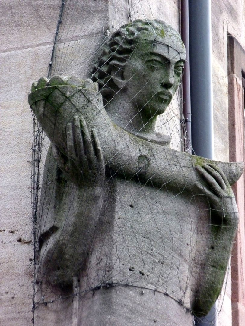 Gestalt mit Füllhorn Füllhornträger, Detail