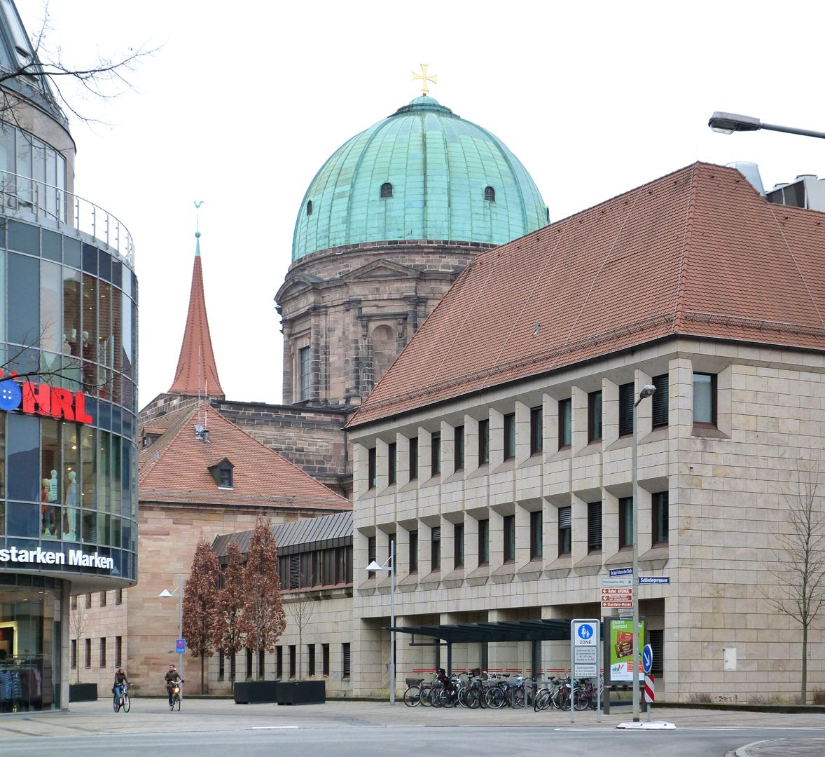 Erweiterungsbau des Polizeipräsidiums Gebäude zur Dr. Kurt-Schumacher-Straße