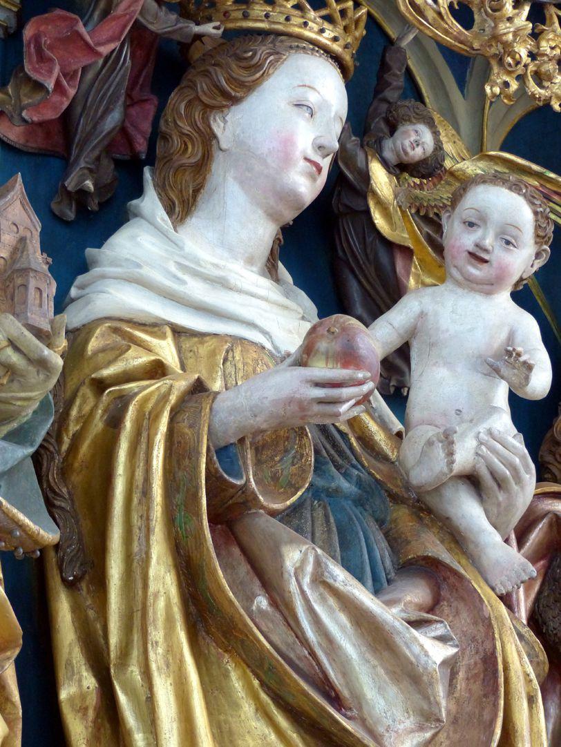 Puschendorfer Hochaltarretabel Hauptschrein, Maria mit dem Kinde, Schrägansicht