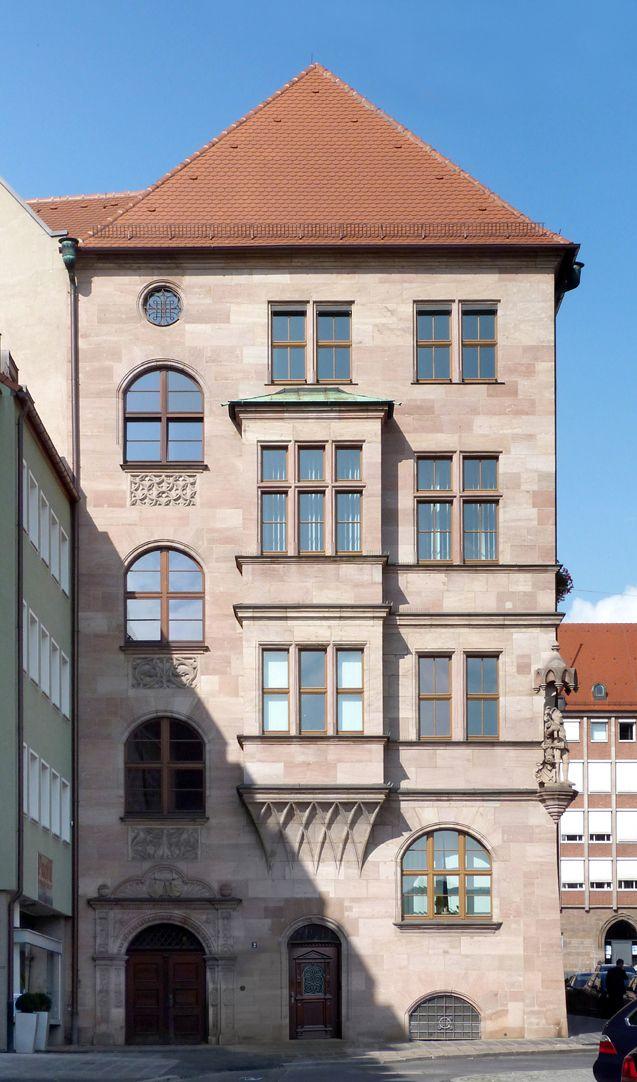 Ritter Kreß von Kressenstein Fassade zum Obstmarkt
