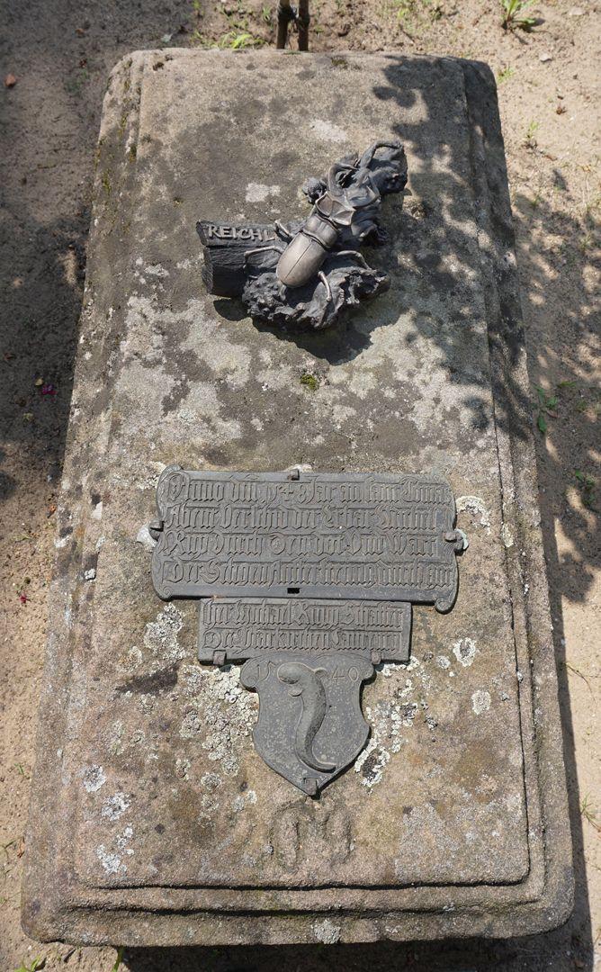 Rochusfriedhof Grabstätte 209 Schrägansicht von Osten