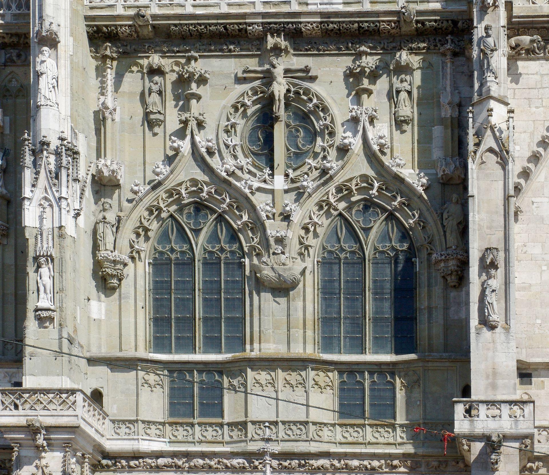 Obergeschoss der Mittelachse am Regensburger Dom Obergeschoss der Mittelachse