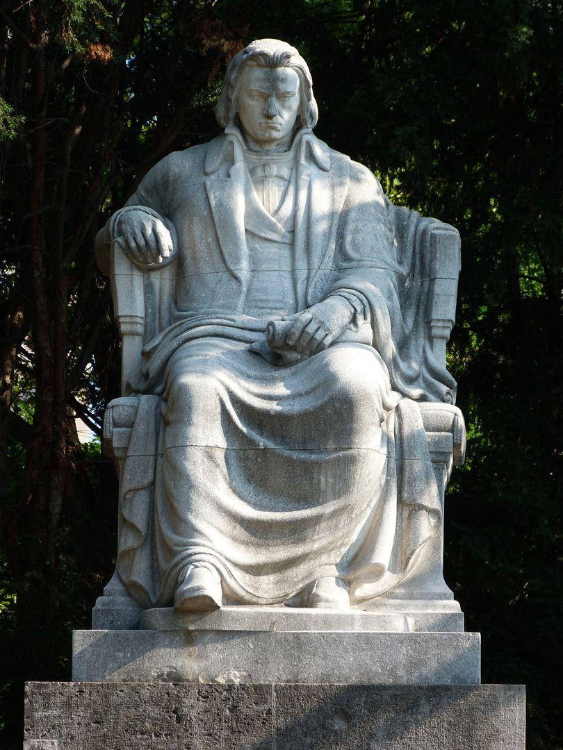 Beethovendenkmal Sitzfigur